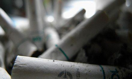 El consumo de tabaco aumenta el riesgo de sufrir enfermedades reumáticas y las agrava